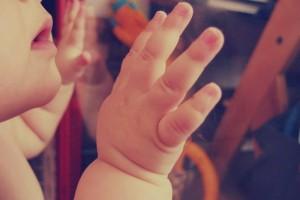 新生儿一天没拉屎正常吗宝宝一天没大便怎么办